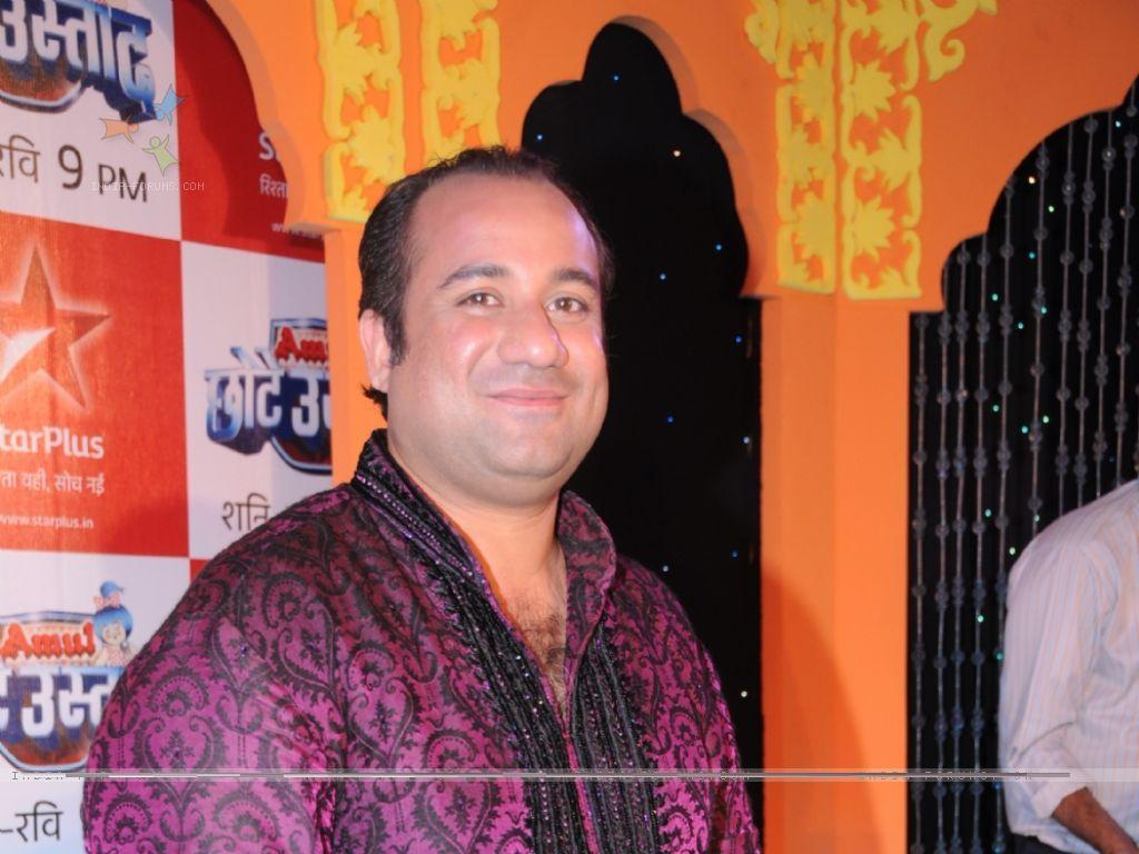 http://4.bp.blogspot.com/-9peFbY5D4Po/TVp5gVdeuyI/AAAAAAAADjA/SGRgZoiNJUY/s1600/rahat_fateh_ali_wallpaper.jpg