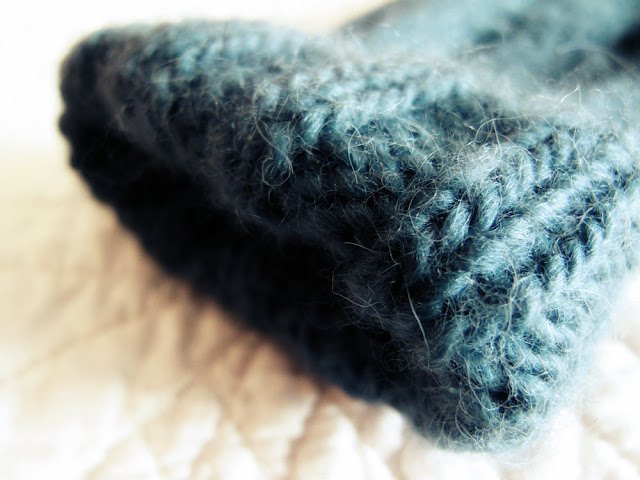 Free Pattern Simple Handknitted Ribbed Handwarmers by Beth Hemmila of Hint Jewelry