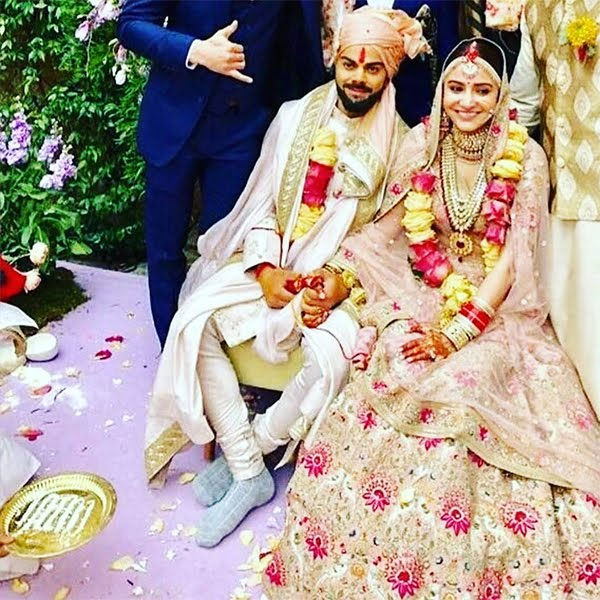 AnushkaSharma and Virat Kohli are now Married
