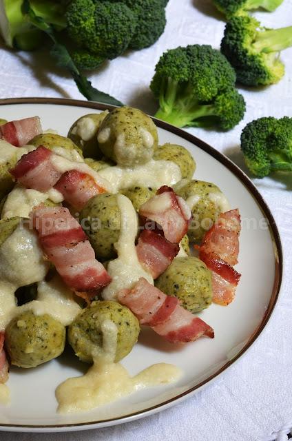 hiperica_lady_boheme_blog_di_cucina_ricette_gustose_facili_veloci_polpette_di_broccoli_e_ricotta_con_pancetta_e_fonduta_di_parmigiano_2