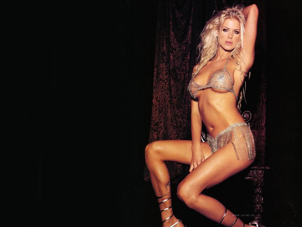 http://4.bp.blogspot.com/-9qB7zSSmfPY/Tnb0whoJ5mI/AAAAAAAAGq8/J9juJHfV5UY/s1600/Karen+Victoria+Silvstedt+Hot+Bikini.jpg