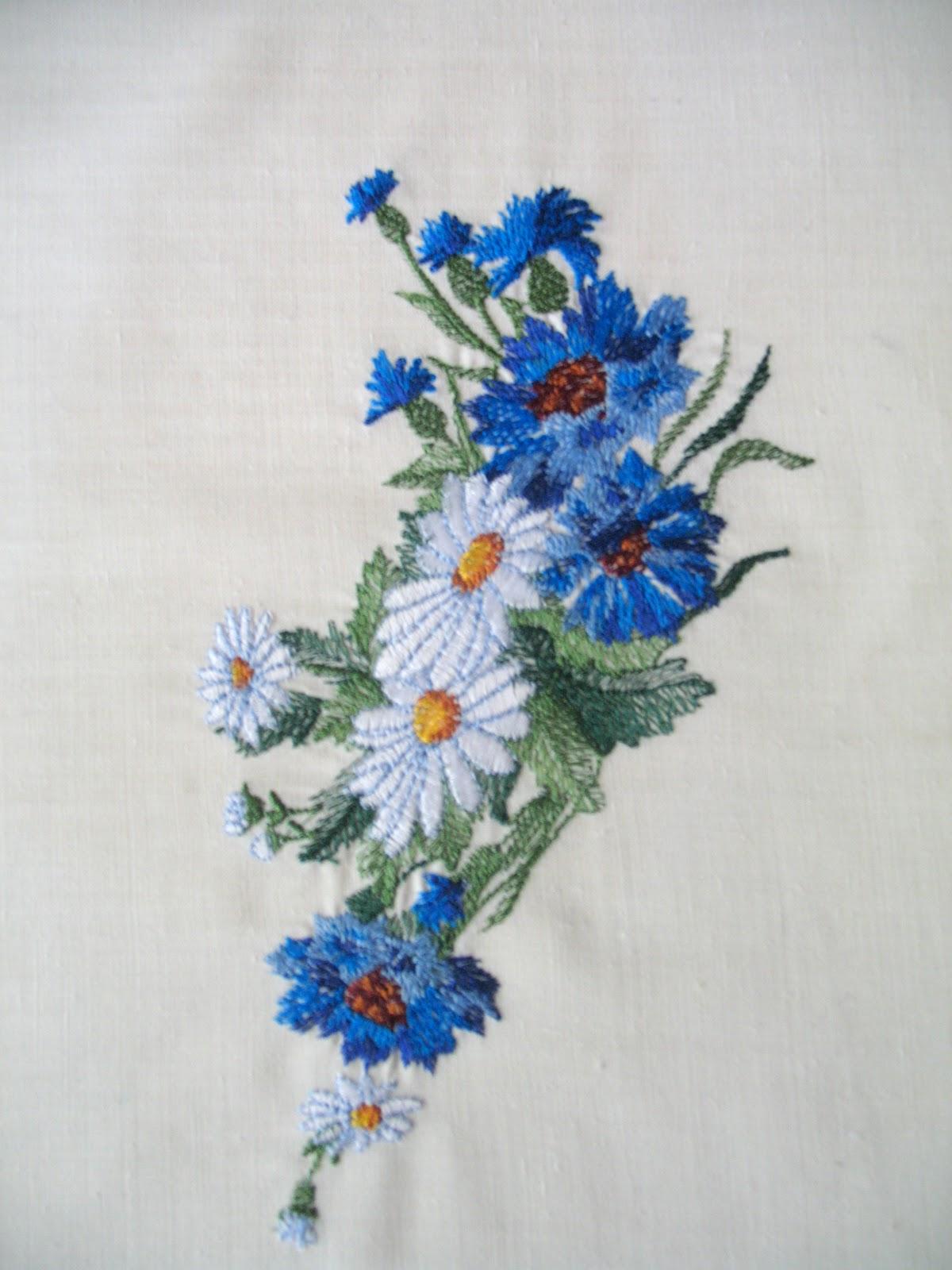 Ромашка василек вышивка
