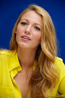 Blake Lively Press Conference for Green Lantern im Beverly Hilton Hotel