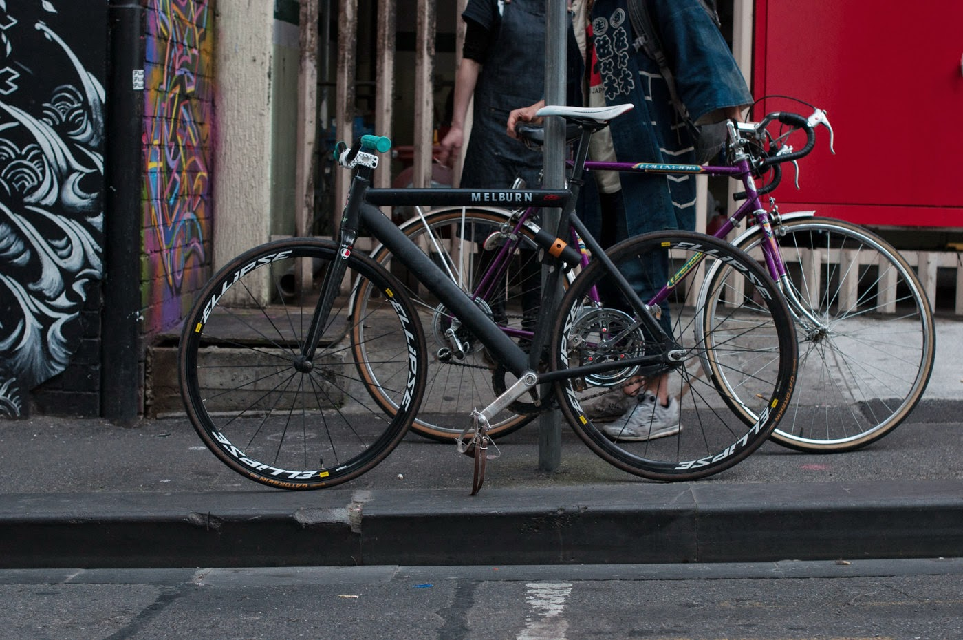 Custom, bespoke, frame, fixed speed, fixie, bike, bicycle, tim macauley, the light monkey collective, the biketorialist, Melbourne, Australia, mavic, fsa