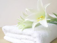 Tips Khusus Mencuci Handuk Warna Putih