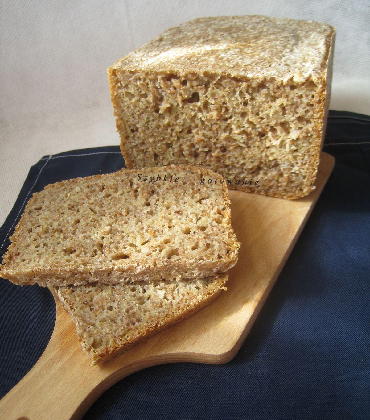 Pyszny chleb graham z ziarnami