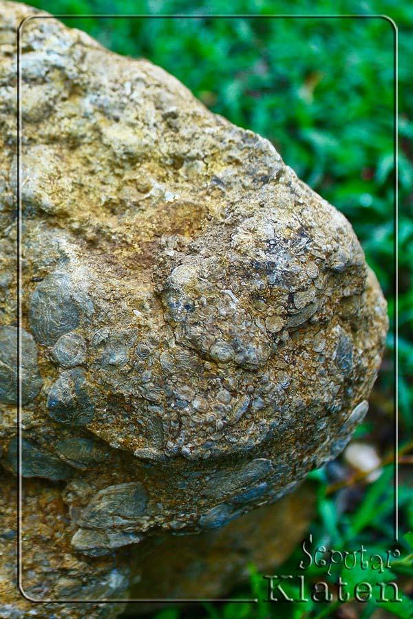 Legenda Watuprau (Batu Perahu) di Gunung Gajah, Bayat, Klaten  04+watuprau+bayat
