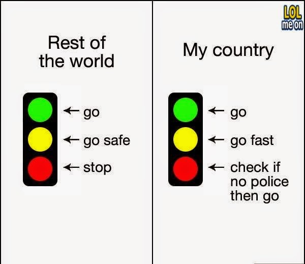 traffic lights in my country vs the rest of the world - funny damn fact picture