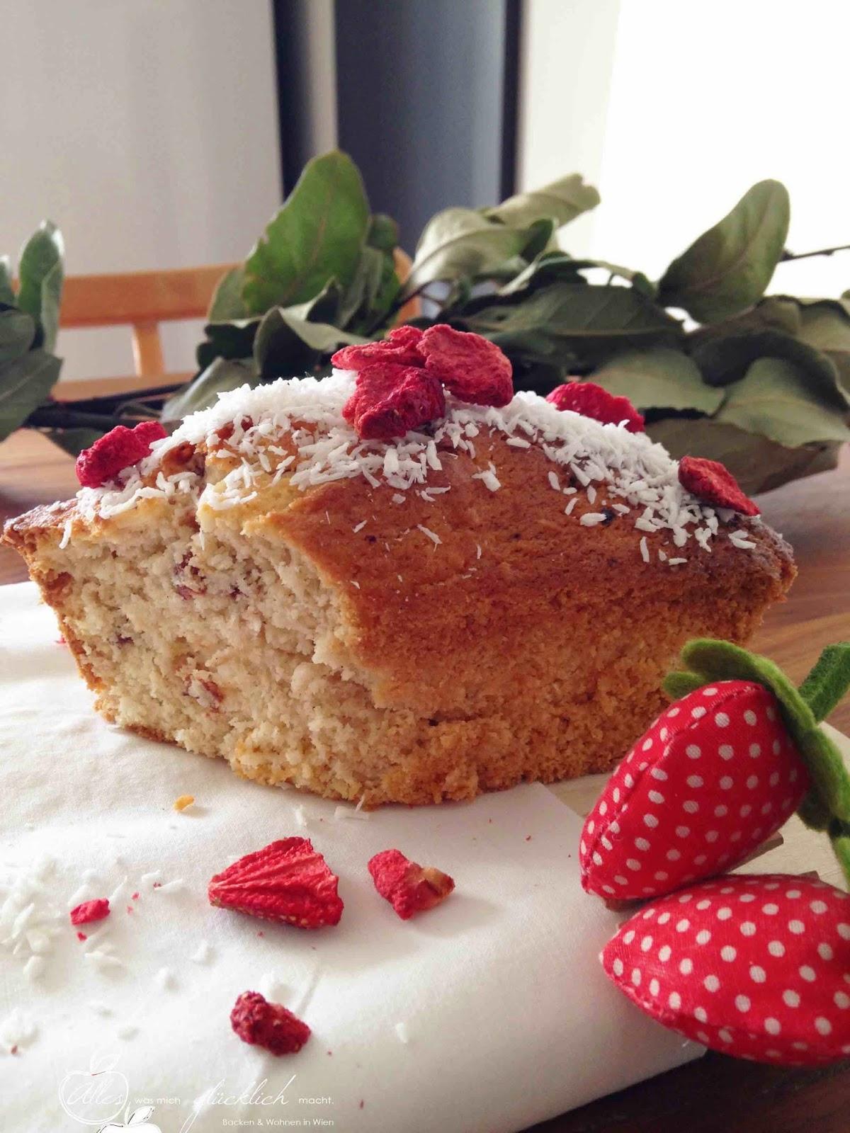 Sommerfeeling im Jänner – Erdbeer-Kokoskuchen mit Birkenzucker – vegan