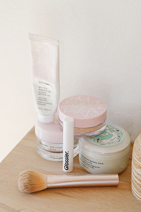 Click for 10% off Glossier