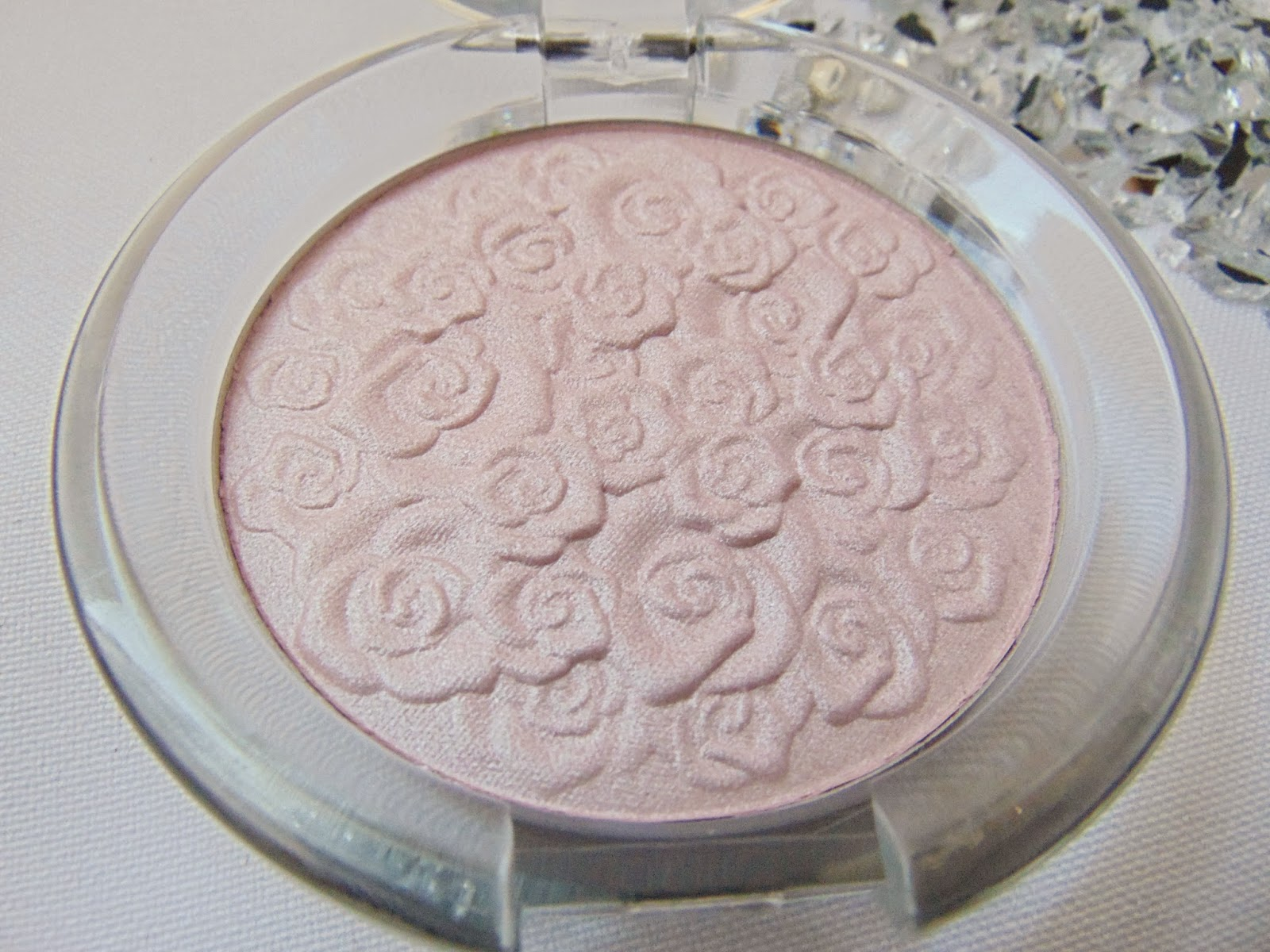essence cinderella – highlighter Detail - www.annitschkasblog.de