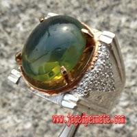 Batu Fire Opal Hijau