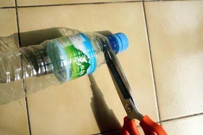 Seal a plastic bag with a bottle cap!