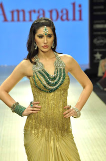 Nargis and Abhay Stunning walk the ramp for Amrapali at IIJW 2012