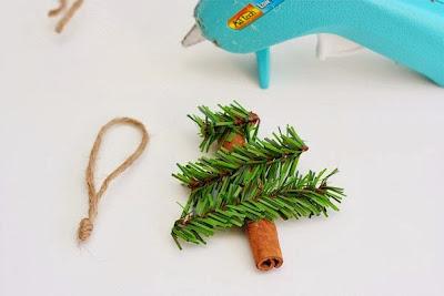 Χριστουγεννιάτικα στολίδια με μυρωδιές από κανέλα-οδηγίες