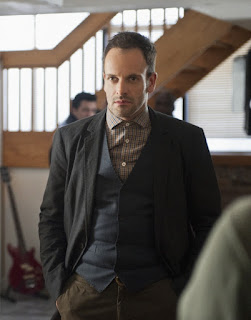 Jonny Lee Miller Sherlock Holmes CBS Elementary Episode 13 The Red Team