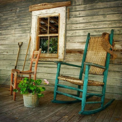 Nice Old Rocking Chair At Porch Picture Media Cache Ec0pinimg Originals Fc 68 A5 Fc68a5171519678c41618146c96931a9