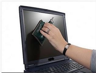 Cara Membersihkan layar Monitor LCD laptop
