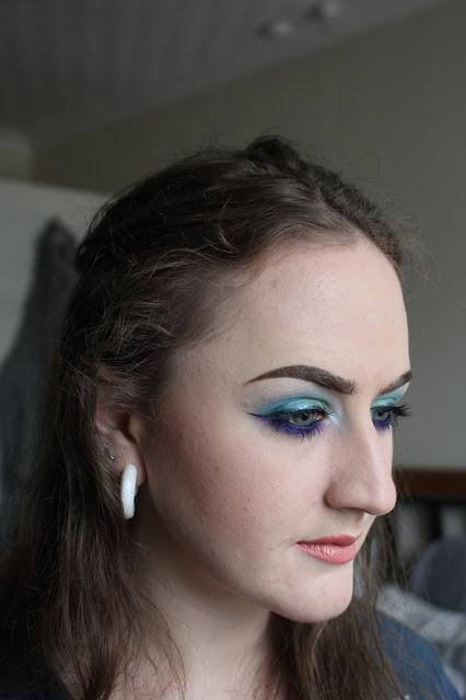 Mermaid eye look