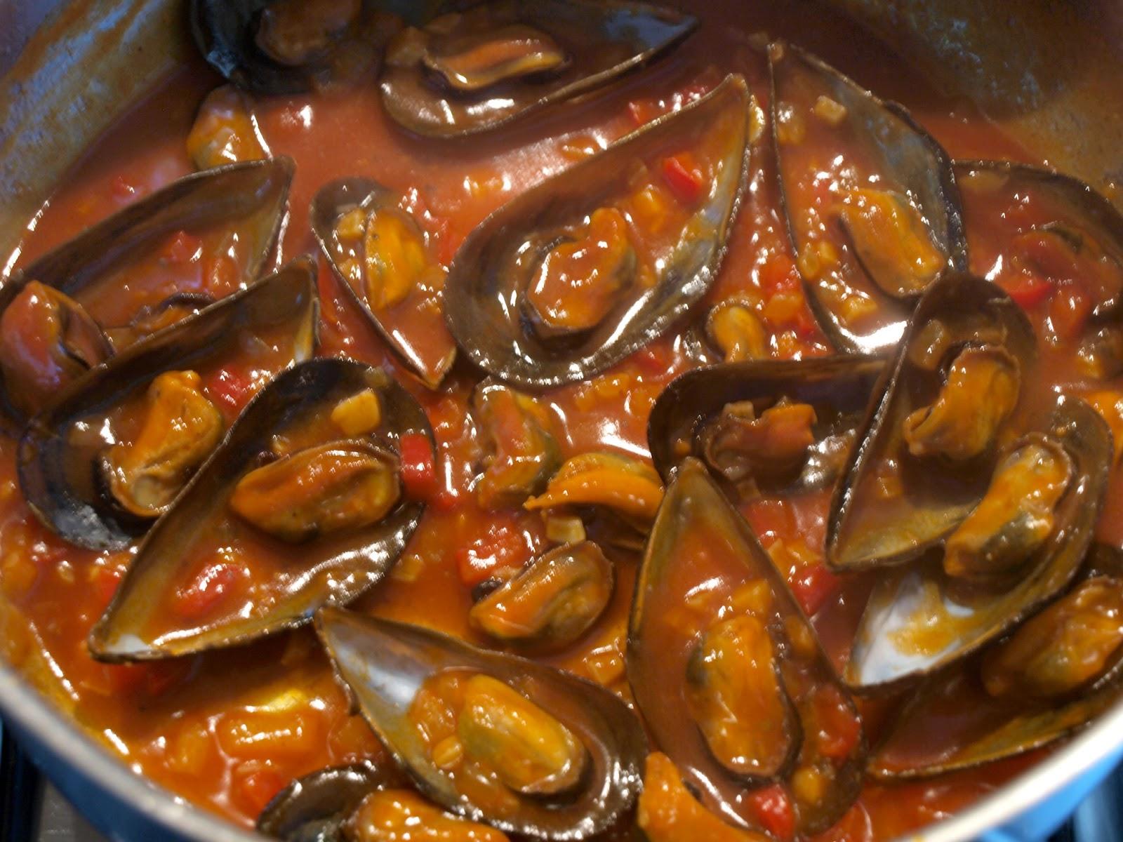 La larpeira sin gluten mejillones en salsa de tomate for Cocinar mejillones en salsa