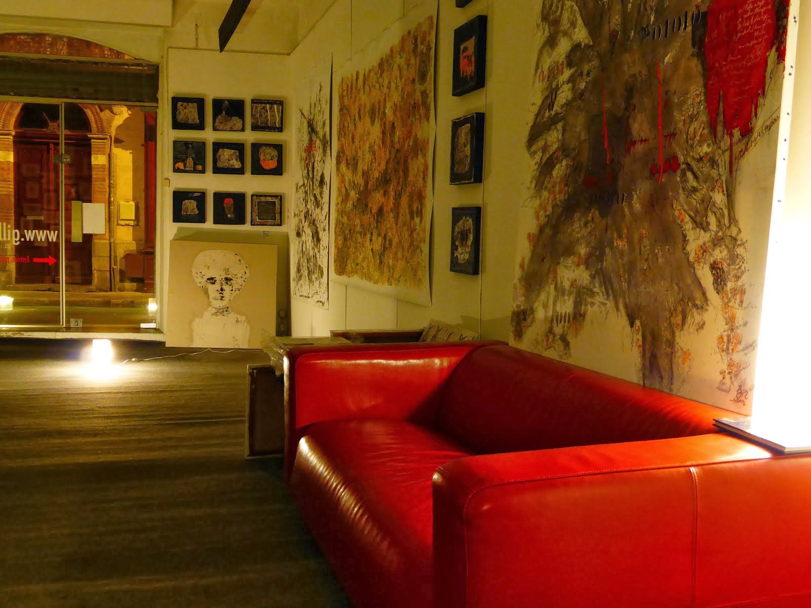 my gallery by night