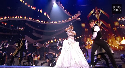 I KNEW YOU WERE TROUBLE (Taylor Swift) Brit2