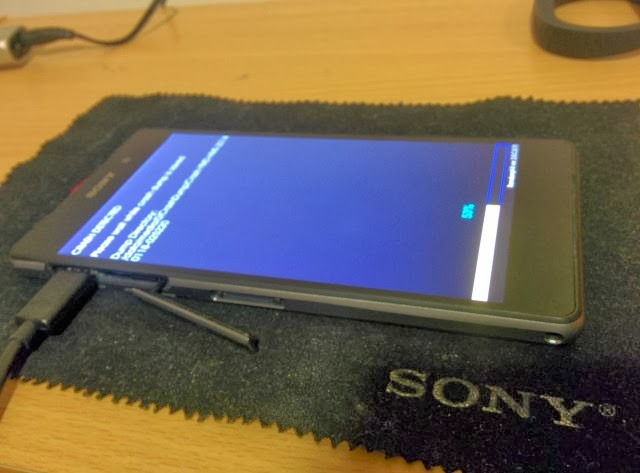 Sony D6503 handset leaked live images
