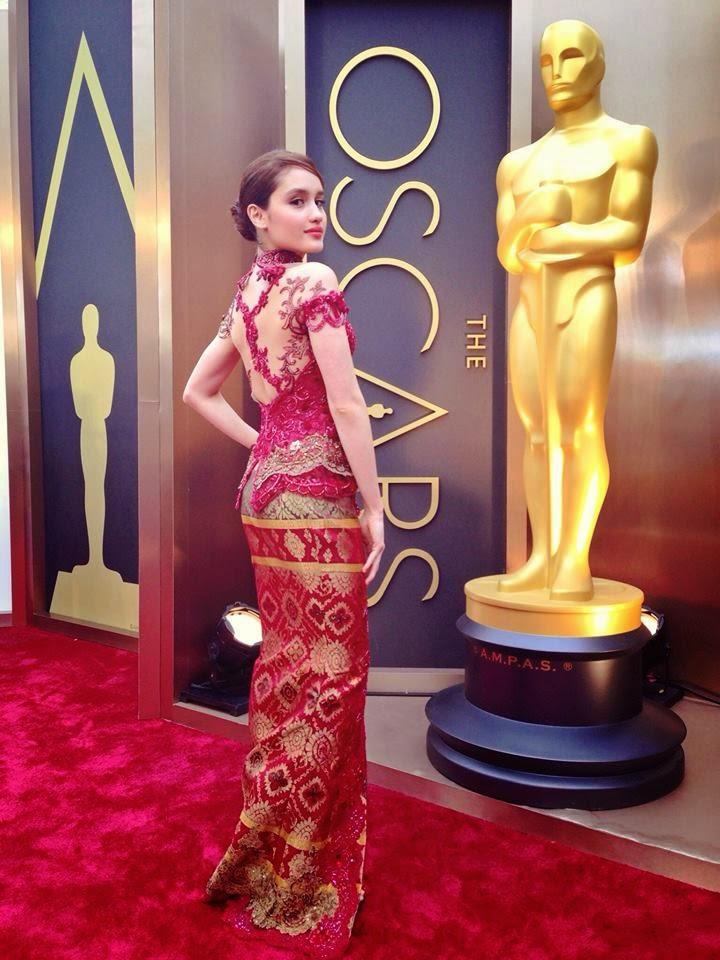 CintaLaura look beautiful with red kebaya Anne Avantie design. He ...