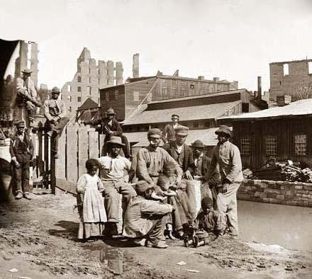 Un grupo de esclavos liberados en Richmond, Virginia