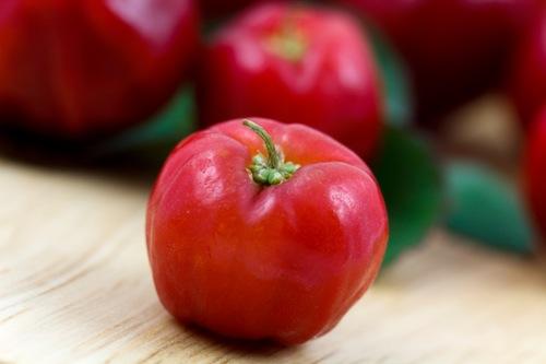 Acerola: dal Brasile, la frutta del benessere