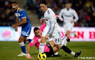 سامي خضيرة : اوزيل هو واحد من أفضل اللاعبين بالعالم  Getafe_-_Real_Madr