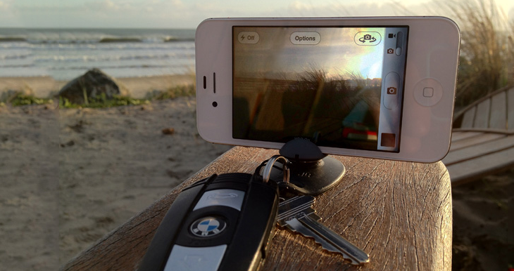 Tiltpod Mobile for iPhone 4 / 4S micro tripod keychain stand for iPhone