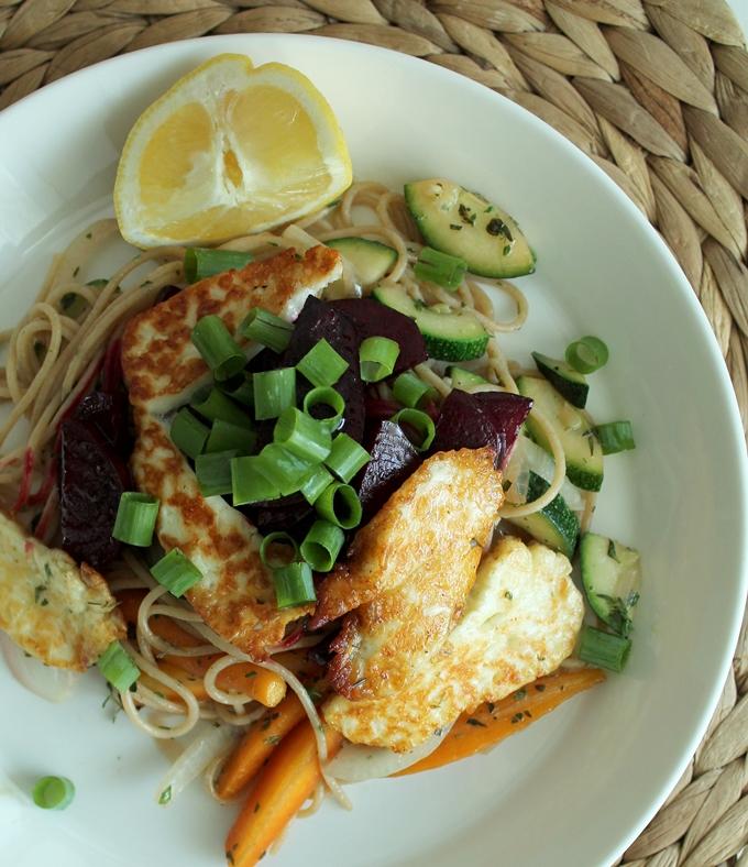 arkiruoka, vegepasta, kasvisruoka pasta halloumi