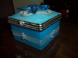 beautiful jewellery box for home decor on dressing table for keeping earrings India