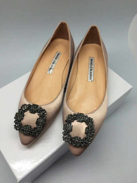 manolo blahnik flat shoes harga