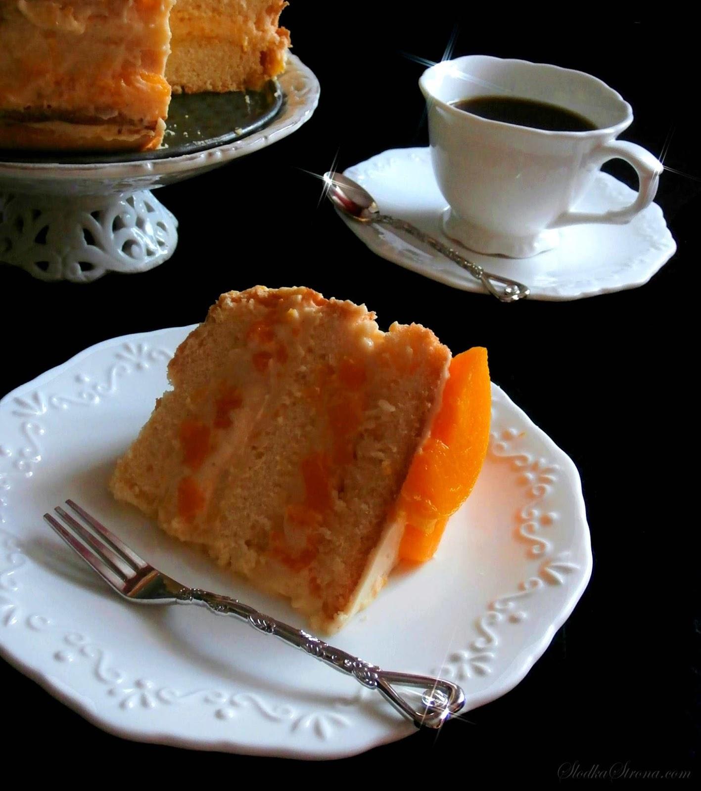 Tort Brzoskwiniowy z Masą Budyniowo-Maślaną oraz Kremem Budyniowo-Śmietanowym - Przepis - Słodka Strona
