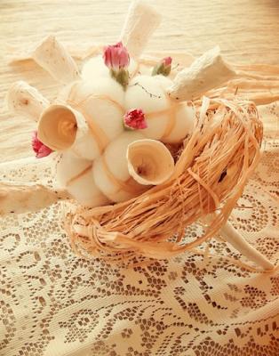 bouquet rustico di carta , cotone, fiori freschi