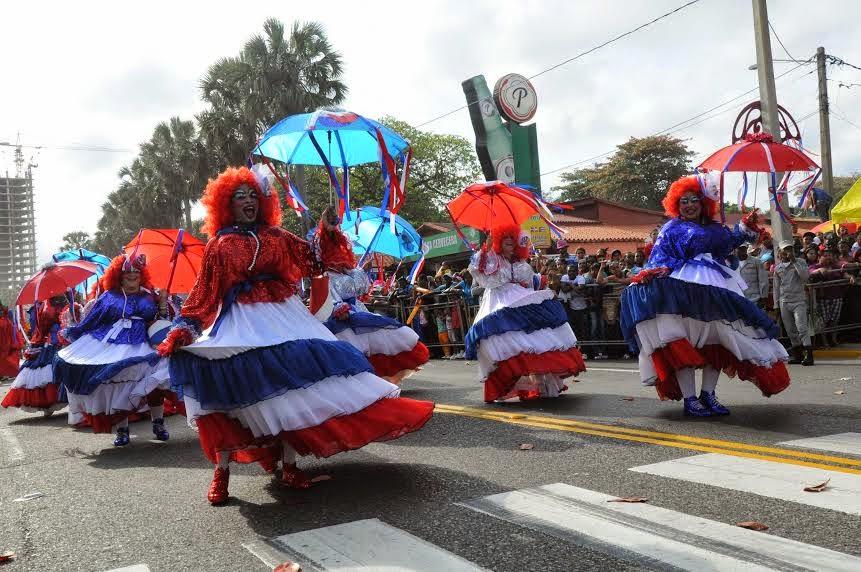 Testigouno desfile nacional carnaval 2015 recibir 260 for Decoracion del hogar republica dominicana