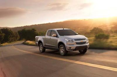2012-Chevrolet-Colorado-Front-Side