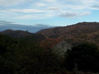 matin nuageux à Aullène en Alta Rocca 2 septembre 2012