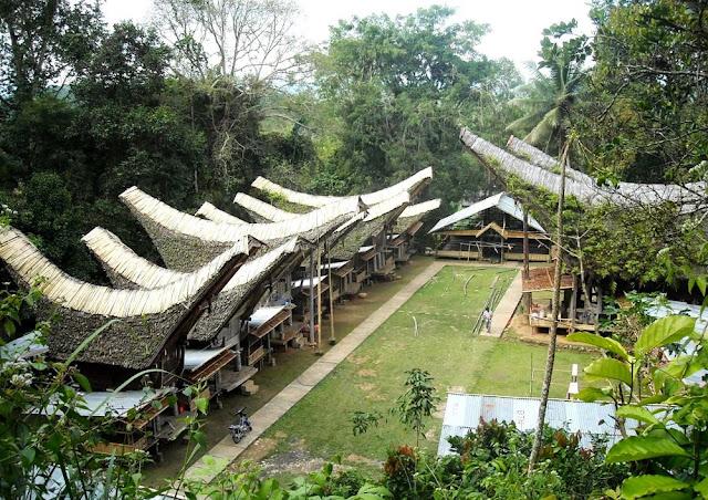 Wisata Budaya Tongkonan Buntu Pune Toraja Utara