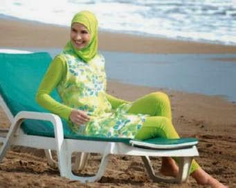 8 Syarat Jilbab Syar'I Yang Harus Diketahui Para Wanita Muslimah