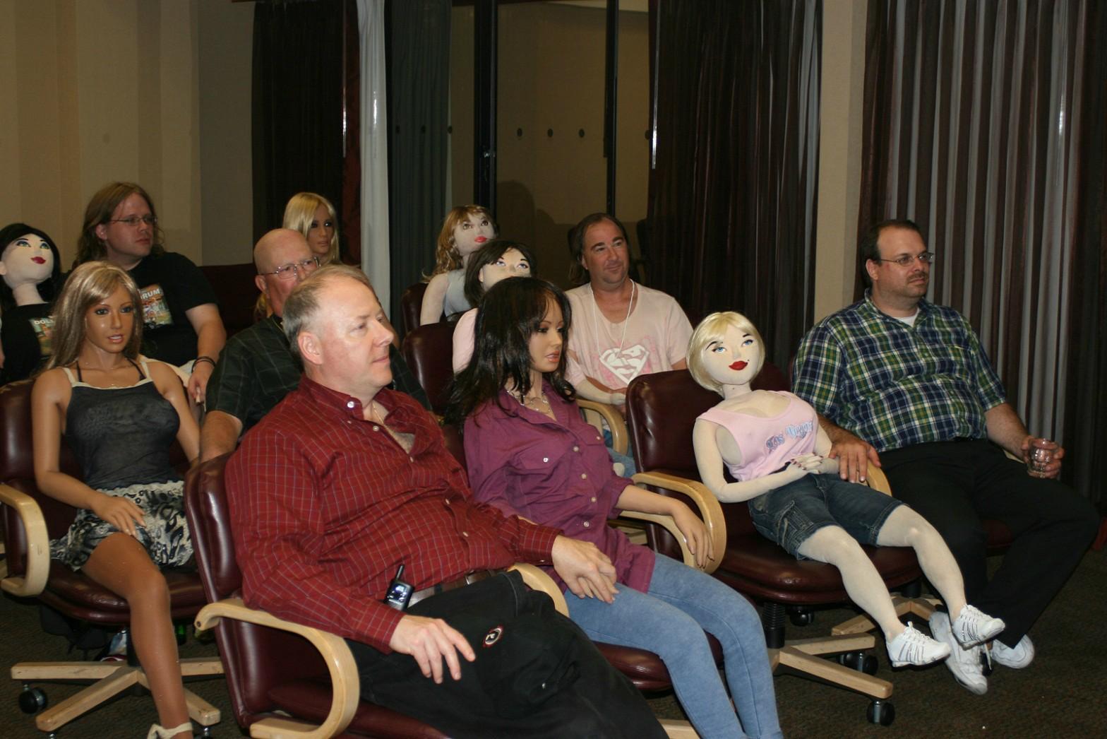 convegno bambole gonfiabili