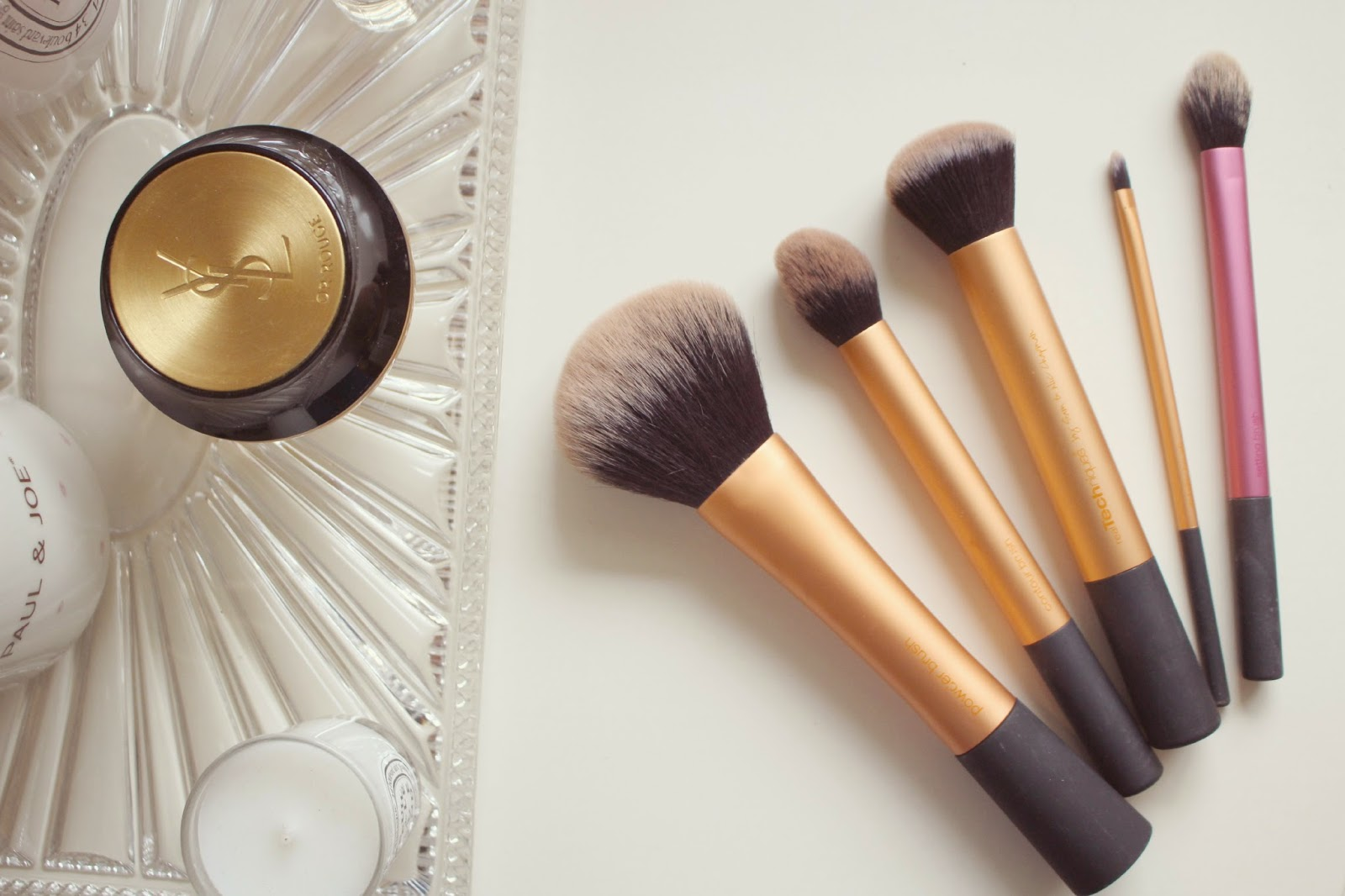 Tools Of The Trade | Makeup Brushes - Fashion Mumblr