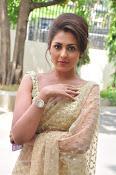 Madhu Shalini sizzling in saree-thumbnail-9