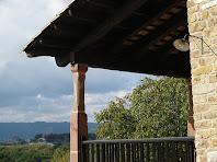 Detall de la balconada del Barceló