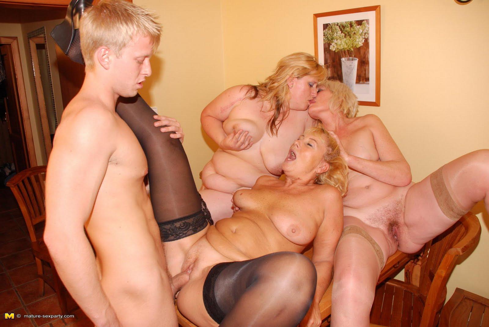 Русское порно бесплатно зрелых женщин с молодыми 4 фотография