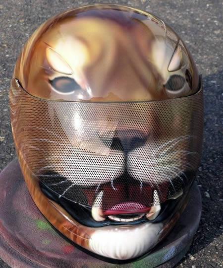 Peinture sur casque moto...... Lion+casque