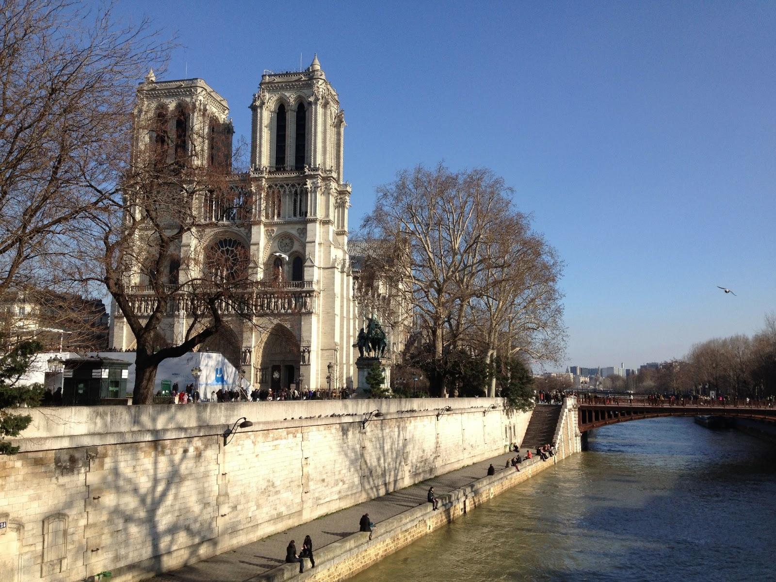 http://4.bp.blogspot.com/-9vC5z0ke2pA/UcYyl5gGn-I/AAAAAAAABkI/mBO_nr1PeLQ/s1600/paris.jpg