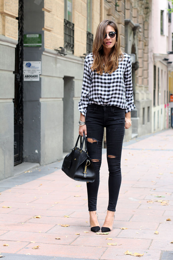 16 Killer Ways To Wear Black Jeans With A Neutral Colour Palette ...